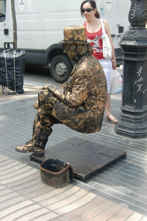 Beautiful Barcelona: Floating man Floating Man